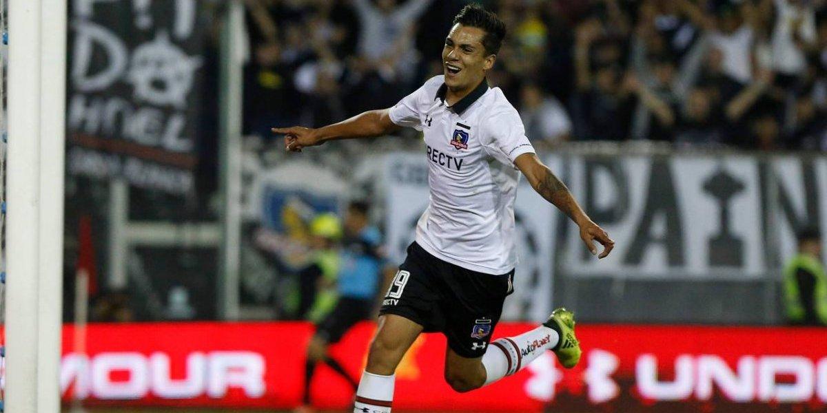No le pesó la responsabilidad: Carlos Villanueva hizo olvidar al Mago Valdivia en Colo Colo con su talento