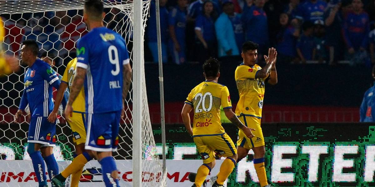 La U ganaba gracias a Pinilla, pero se durmió, le empataron y Everton casi se lo gana al final