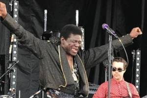 https://www.metrojornal.com.br/cultura/2017/09/23/morre-cantor-charles-bradley-rock-rio.html