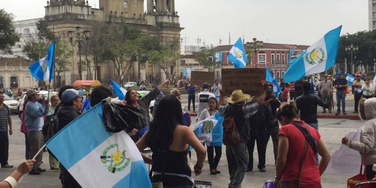 """Exfuncionarios ven necesaria una """"demolición controlada"""" del sistema en Guatemala"""