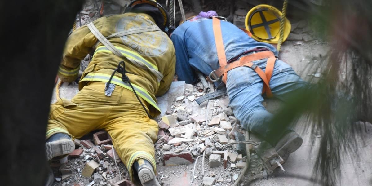 Paciencia, esperanza y desazón: los tres sentimientos que embargan a los rescatistas tras terremoto en México