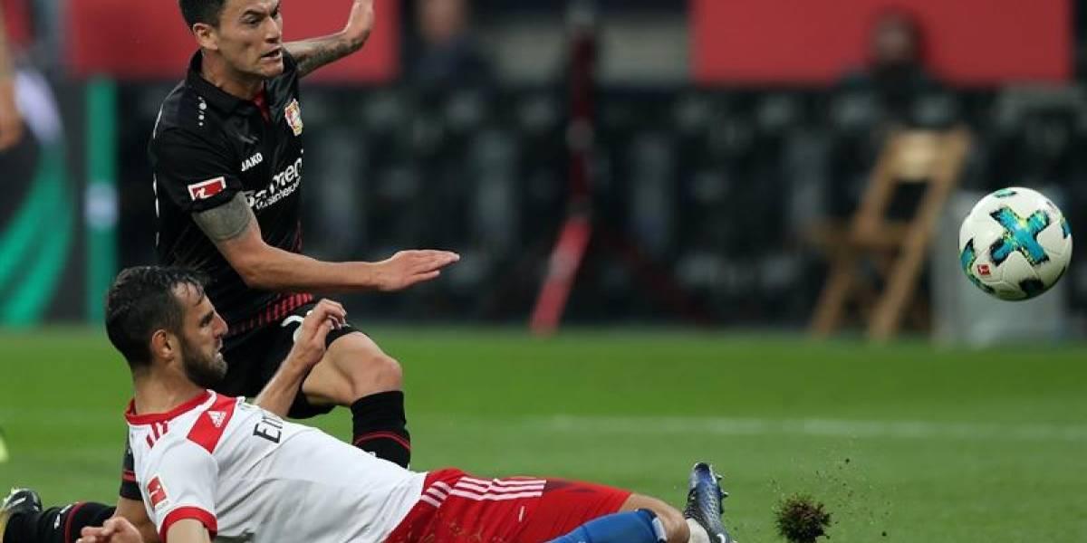 Charles Aránguiz y su Leverkusen reviven en la Bundesliga tras golear al Hamburgo