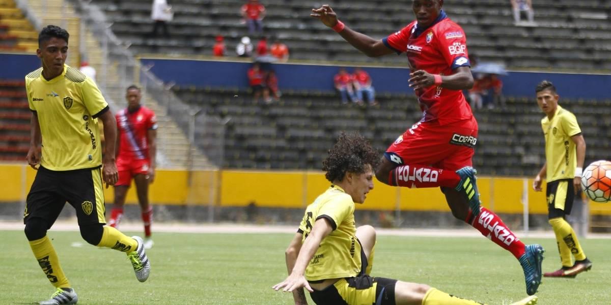 El Nacional goleó a las reservas de Fuerza Amarilla