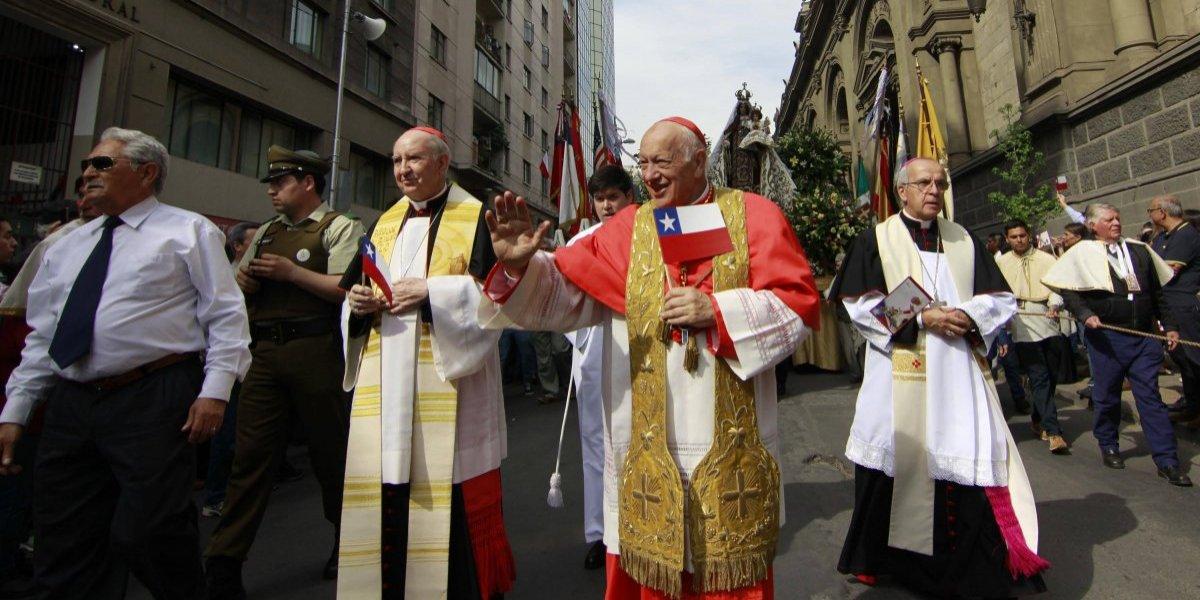 Virgen del Carmen salió en procesión por Santiago para encomendarle viaje papal a Chile