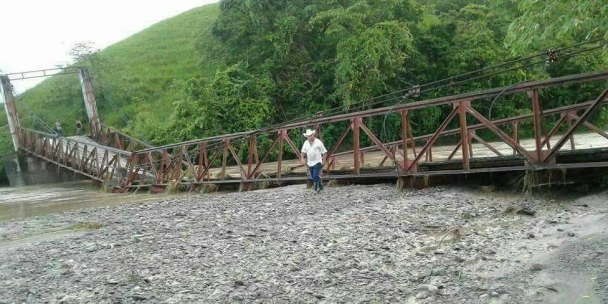 Se desploma un puente y deja a 5 mil incomunicados