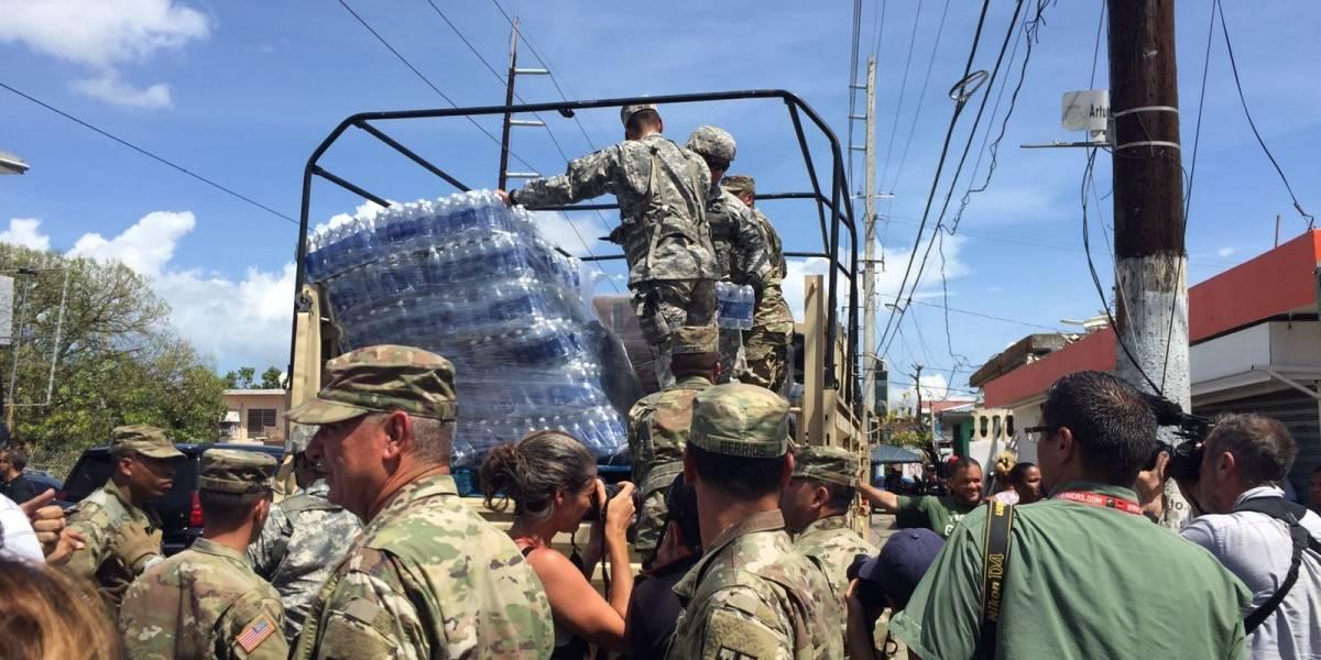 Decenas de personas hacen fila por agua en Barrio Obrero