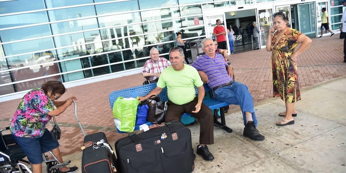 Puerto Rico golpeado por el huracán María suma 16 víctimas fatales y 20 mil en listas de espera por cada aerolínea
