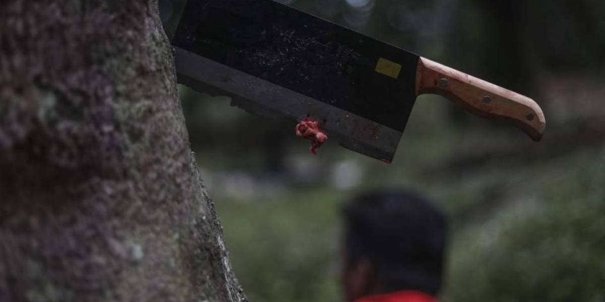 Preparaban conservas con los restos de sus víctimas: Detienen a pareja de caníbales que pudo haber comido 30 personas
