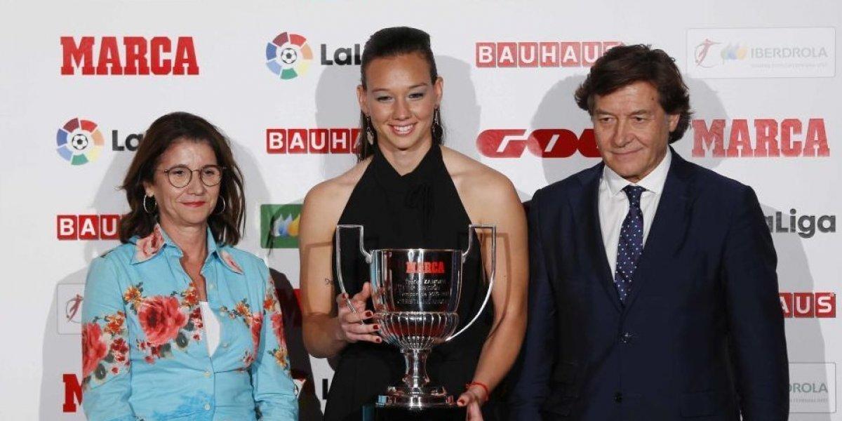 Tiane Endler recibió el Premio Zamora a mejor arquera de La Liga
