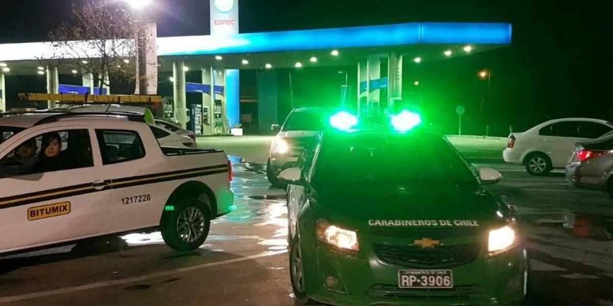 Asaltantes roban caja fuerte con $2 millones desde bencinera en Lampa
