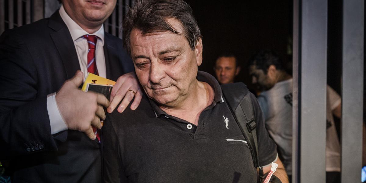 Governo italiano envia jato à Bolívia para levar Cesare Battisti à prisão na Europa