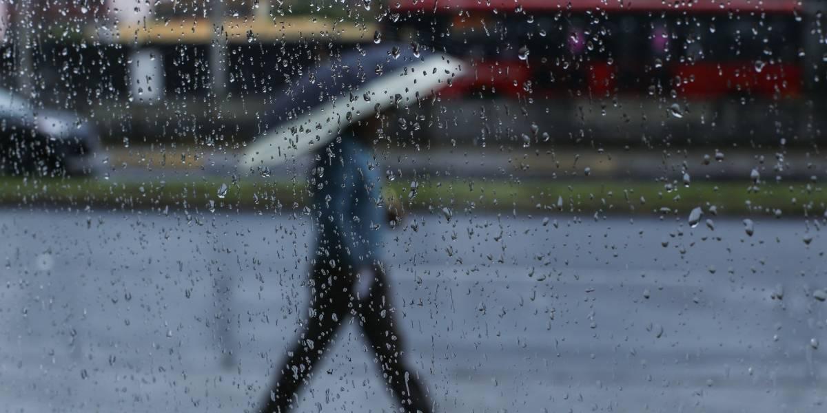 Cielo medio nublado y lluvias prevalecerán en la Ciudad de México