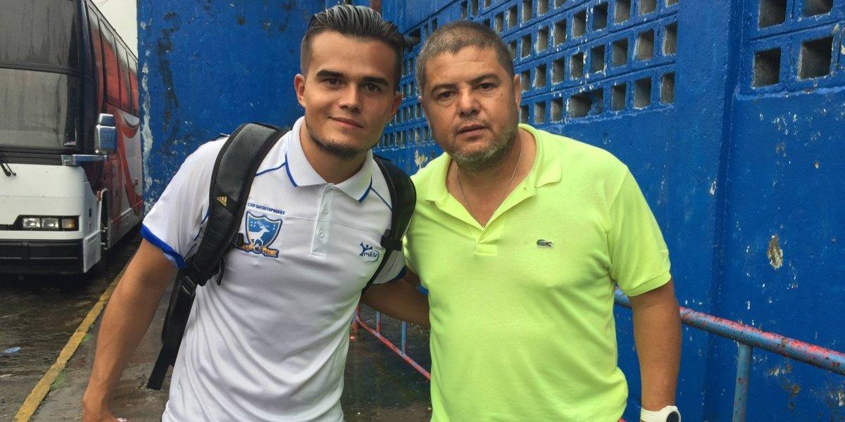 """Extécnico de Carlos """"el Pescado"""" Ruiz agradece el apoyo hacia su hijo"""