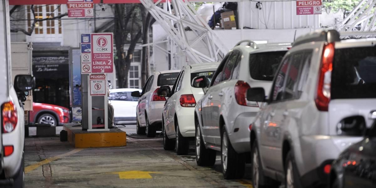 Darán prórroga para verificación vehicular de engomado rosa y rojo — México