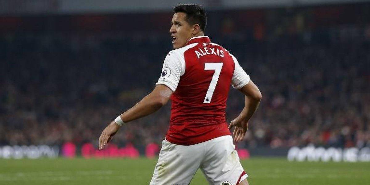 En Arsenal bromean con Alexis por el frustrado pase