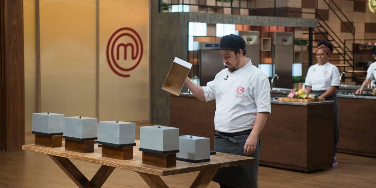 Caixa misteriosa terá surpresa extra nesta terça-feira — Master Chef Profissionais