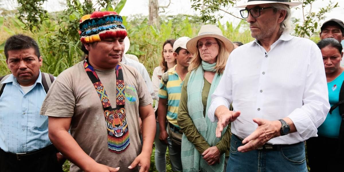 Líderes indígenas canadienses y ecuatorianos visitan zona contaminada por petrolera Chevron