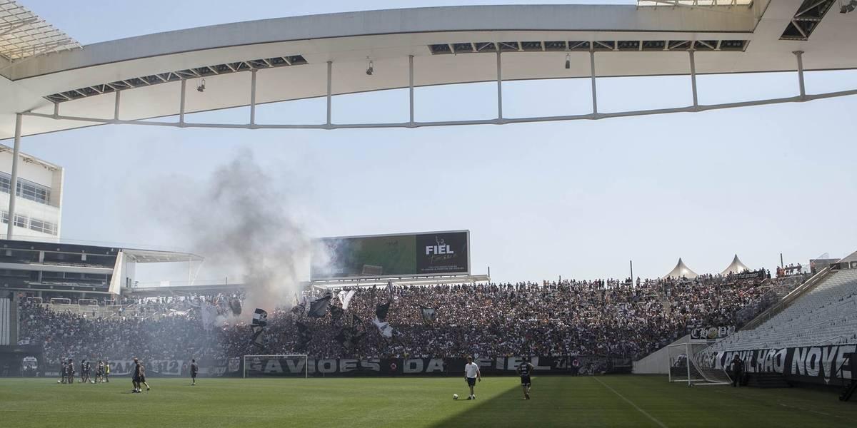 Corinthians cede e muda treino aberto no seu estádio