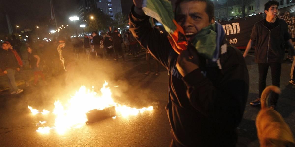 Con incidentes finaliza protesta en favor de los comuneros en huelga de hambre