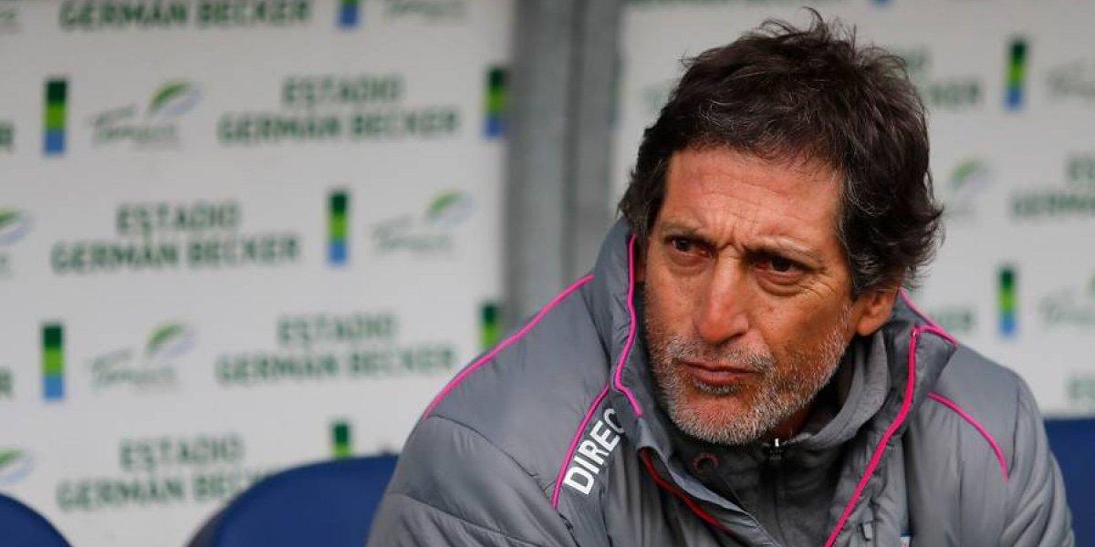 En la UC esperan que Mario Salas renuncie si pierde por goleada ante Colo Colo