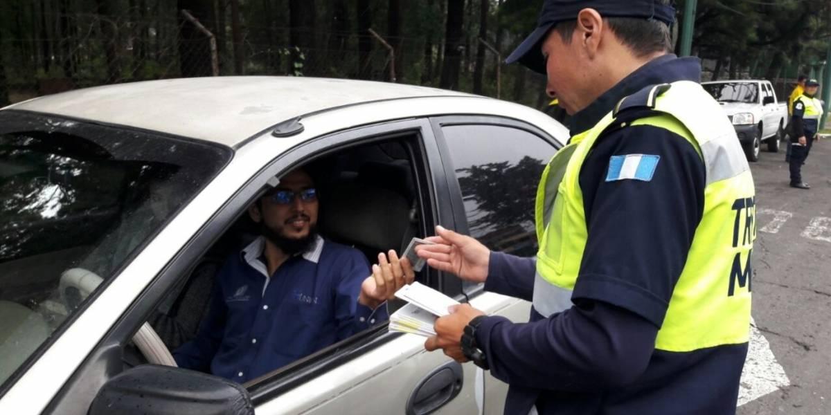 PMT de Mixco da una educada lección a los conductores