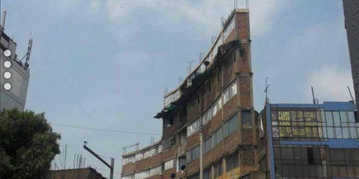 """Ordenan demoler toda una """"obra"""" de ingeniería: tenía siete pisos y un metro de ancho"""