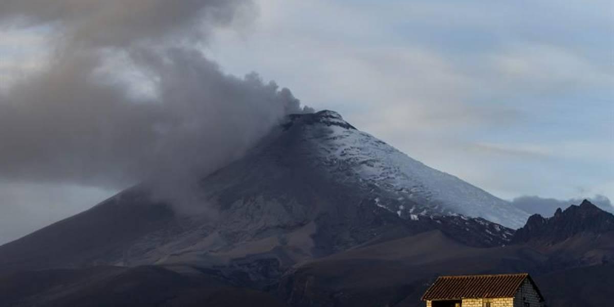 Volcán Cotopaxi emitió gas y vapor