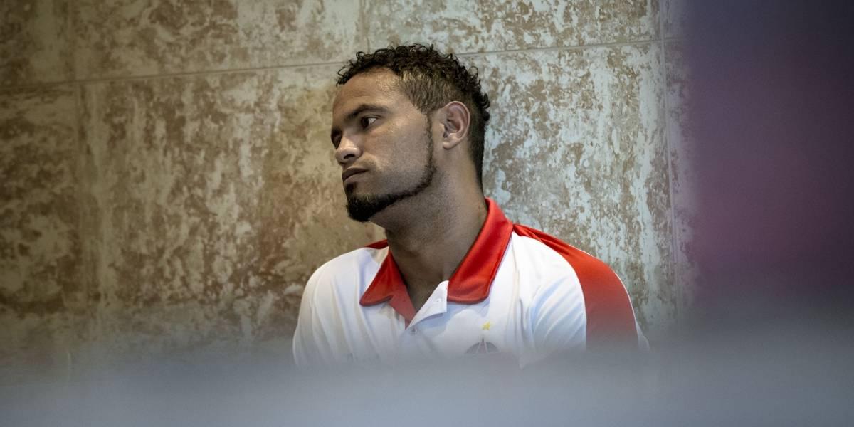 Goleiro Bruno é flagrado em bar e volta para regime fechado na prisão