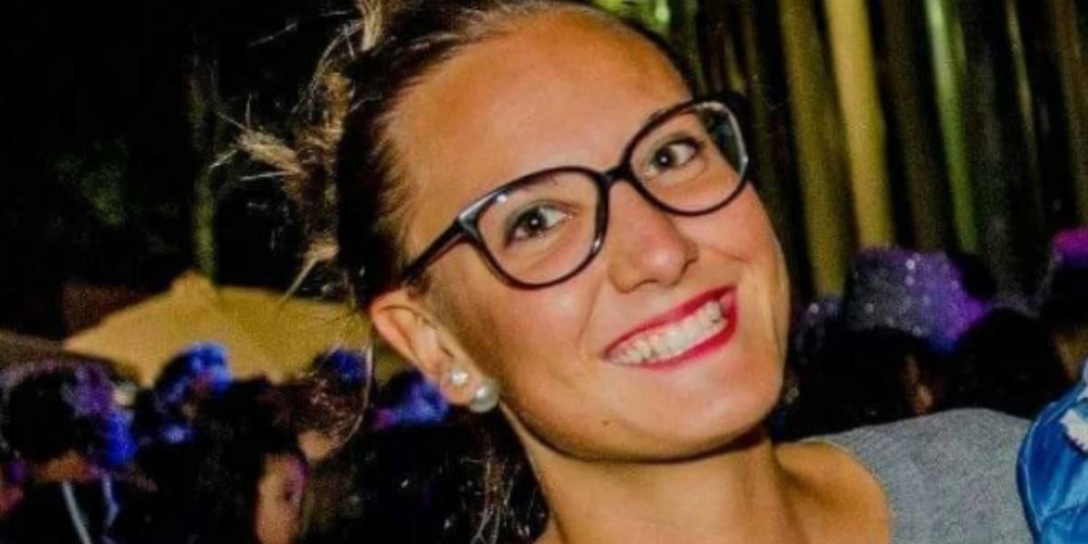 """Indignación en Italia: mató a su novia, """"paseó"""" con el cadáver en un auto y ahora espera el juicio en la comodidad de su casa"""