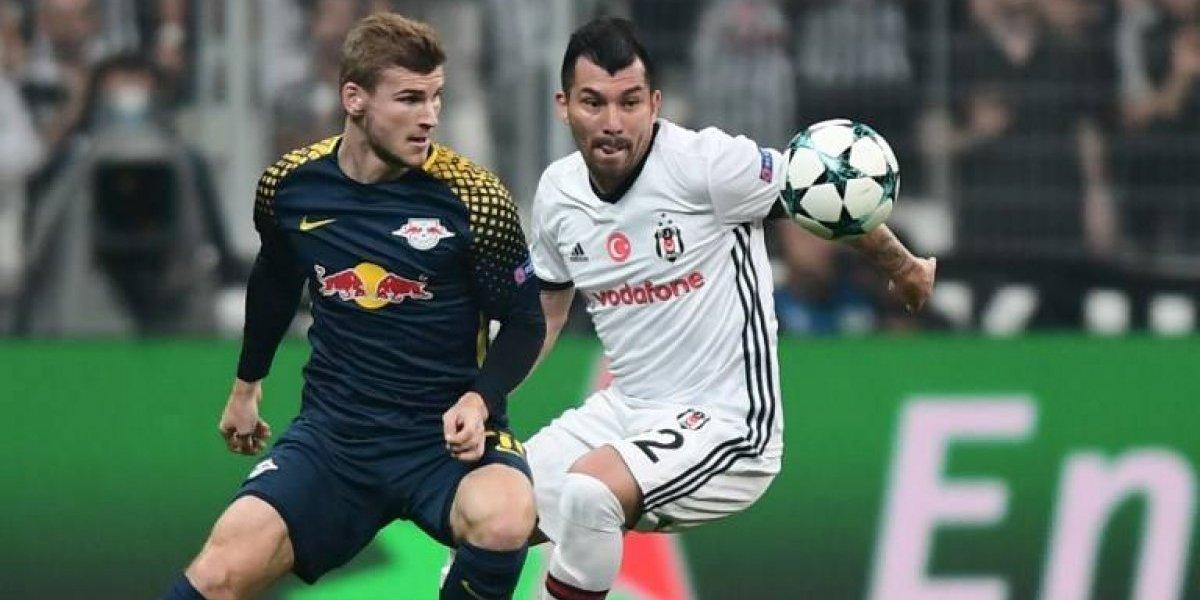 No aguantó el ruido: Goleador del RB Leipzig no soportó el infierno del Besiktas y tuvo que ser reemplazado