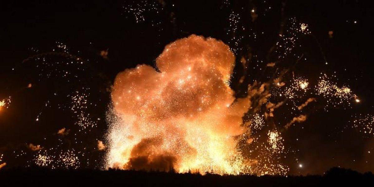 Gran explosión en depósito de armas en Ucrania provoca la evacuación de 30 mil personas