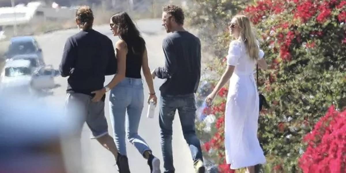 Irina Shayk y su mano larga hacia su novio Bradley Cooper