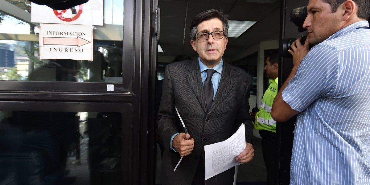 Simpatizantes de Jorge Glas agreden a 6 comunicadores y dirigente de oposición