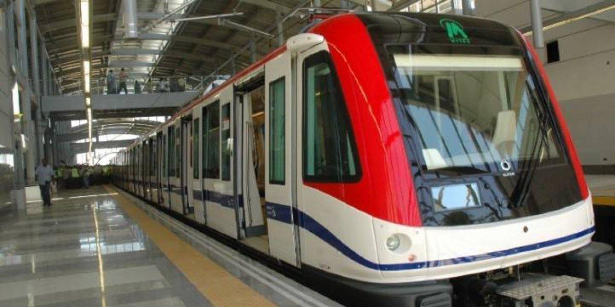 Evacuan pasajeros por fallo en Línea 2 del Metro Santo Domingo