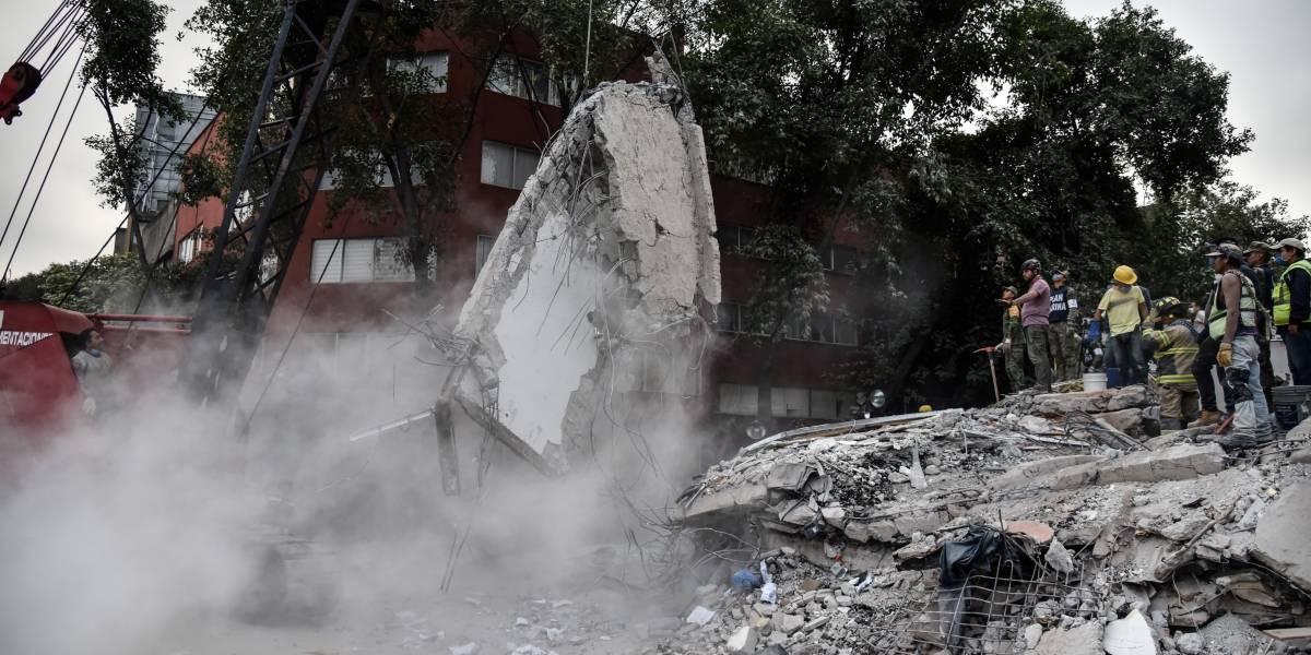 Banco devolverá dinero que robaron de cuenta de mujer fallecida en sismo