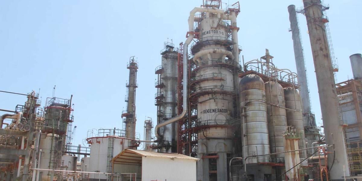 Refinería de Pemex en Oaxaca reiniciará operaciones hasta octubre