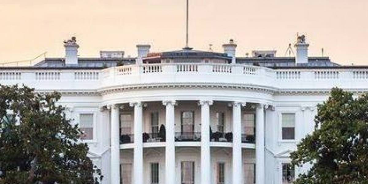 Casa Blanca baja del vuelo a congresistas que querían visitar la isla en aviones militares