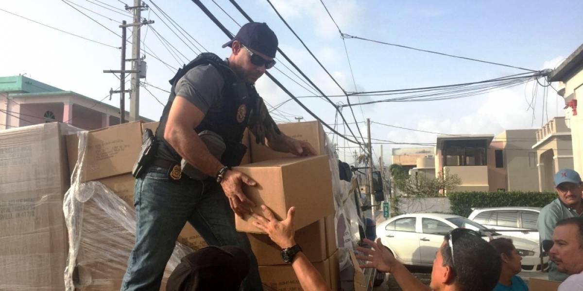 Entregan suministros de socorro en Puerto Rico