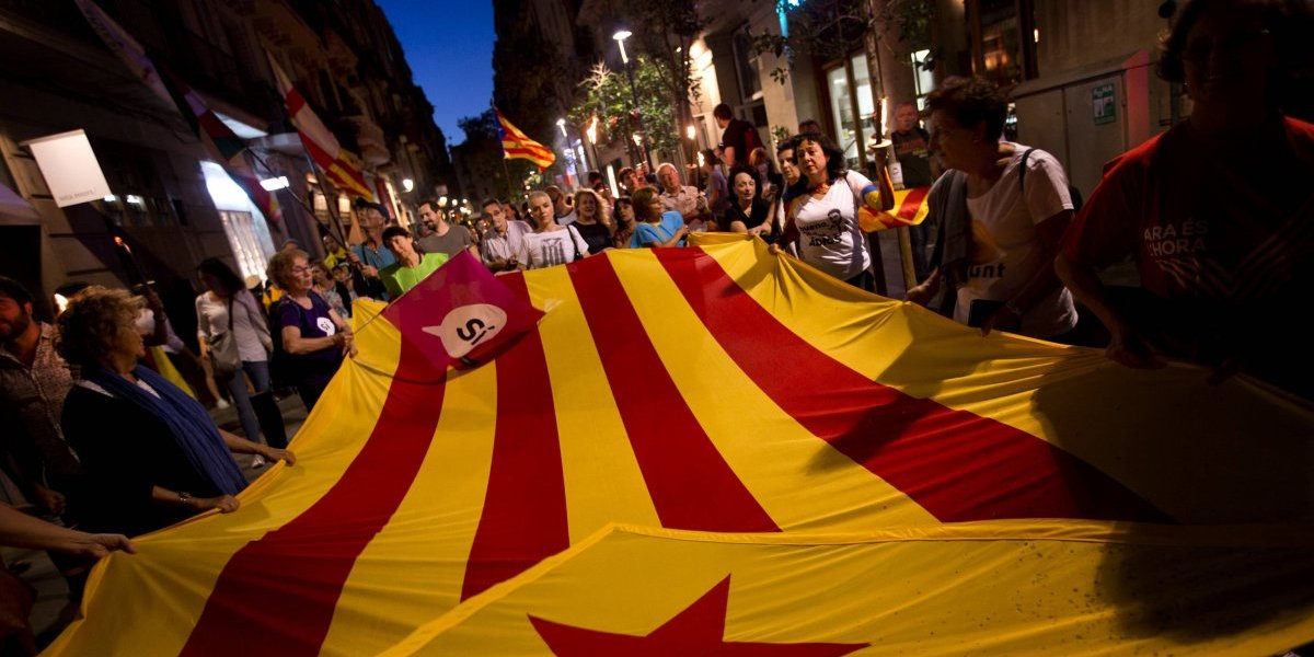 Gobierno catalán denuncia 337 heridos en operativos contra referéndum