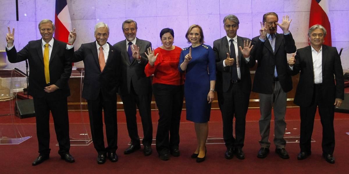 Juntos pero no revueltos: Emplazamientos cruzados hubo en primer debate presidencial con asistencia completa
