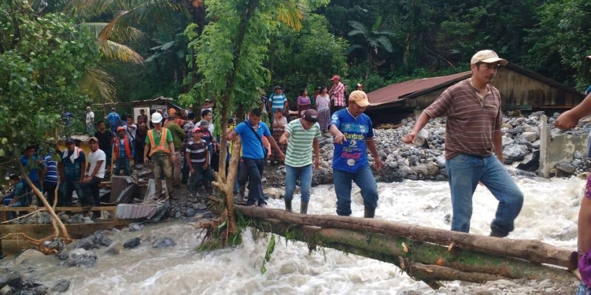 Dramáticas imágenes tras el desbordamiento de río en Alta Verapaz