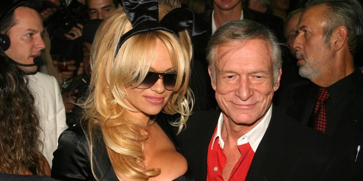 Pamela Anderson es criticada por el sexy y extraño video con que se despidió de Hugh Hefner