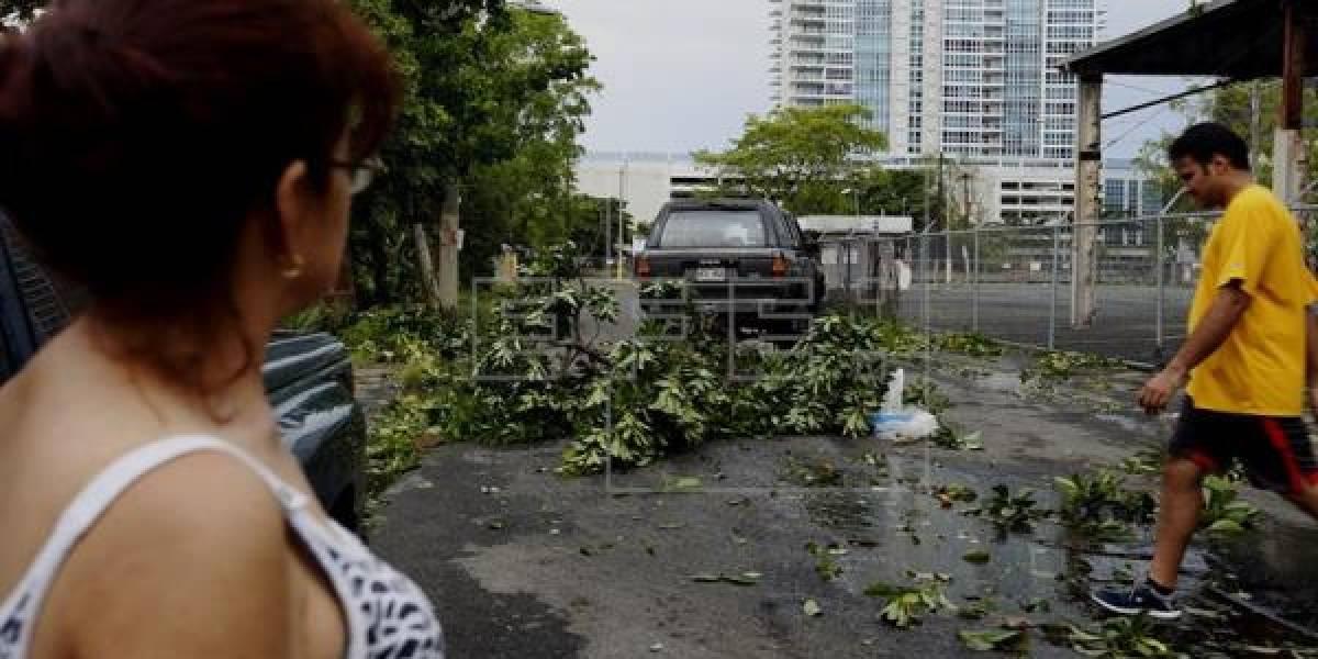 Ecuador coordina regreso de estudiantes afectados por huracán en Puerto Rico