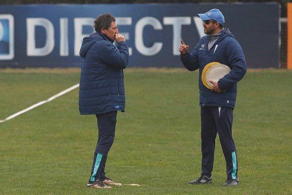 Mario Salas ha contado con Leonardo Zamora como su mano derecha desde sus inicios como director técnico en el fútbol profesional / Foto: Photosport