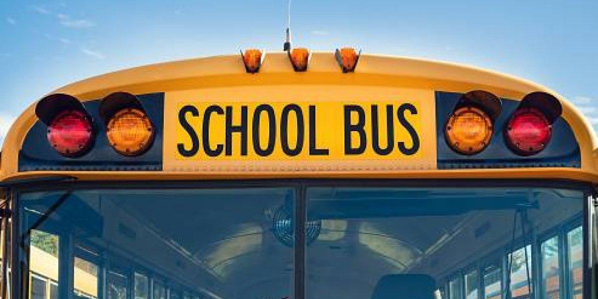 Transportistas escolares salen a ayudar tras emergencia