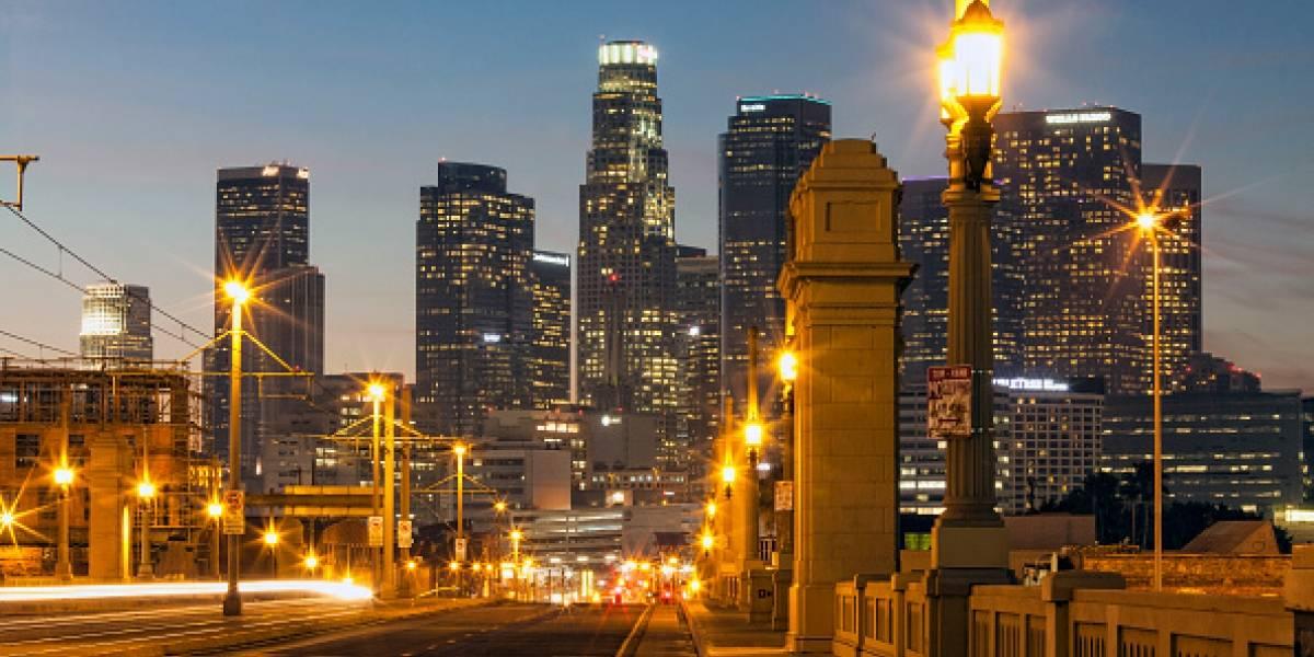 En Los Ángeles pintas sus calles de gris claro para combatir las altas temperaturas