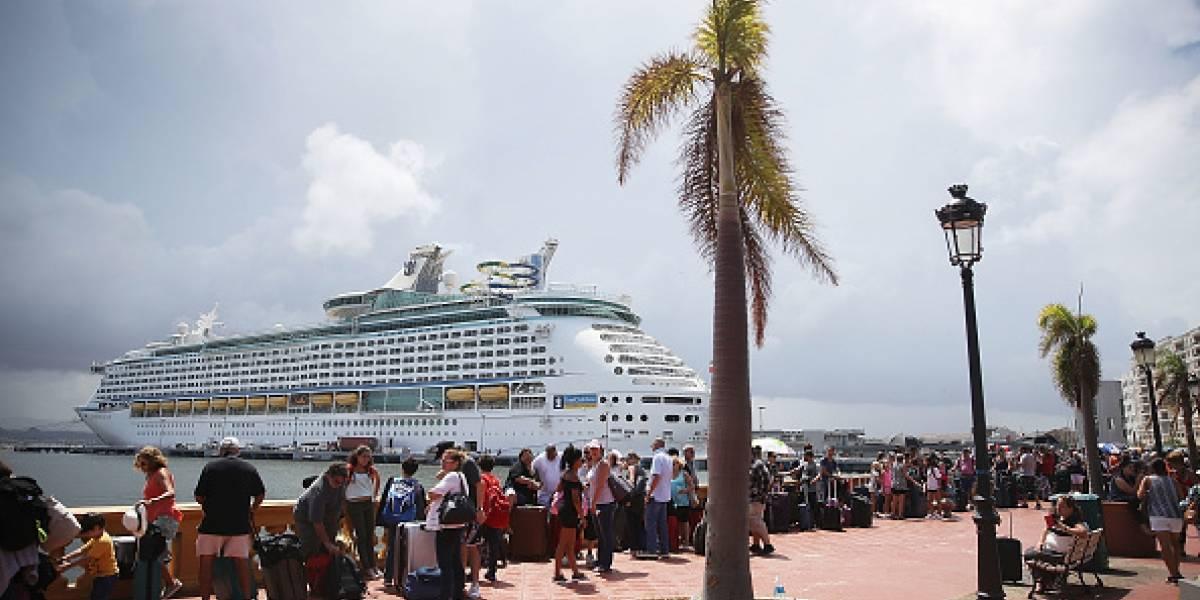 La desesperación por salir de Puerto Rico tras paso de María: multitud se agolpa para escapar en crucero