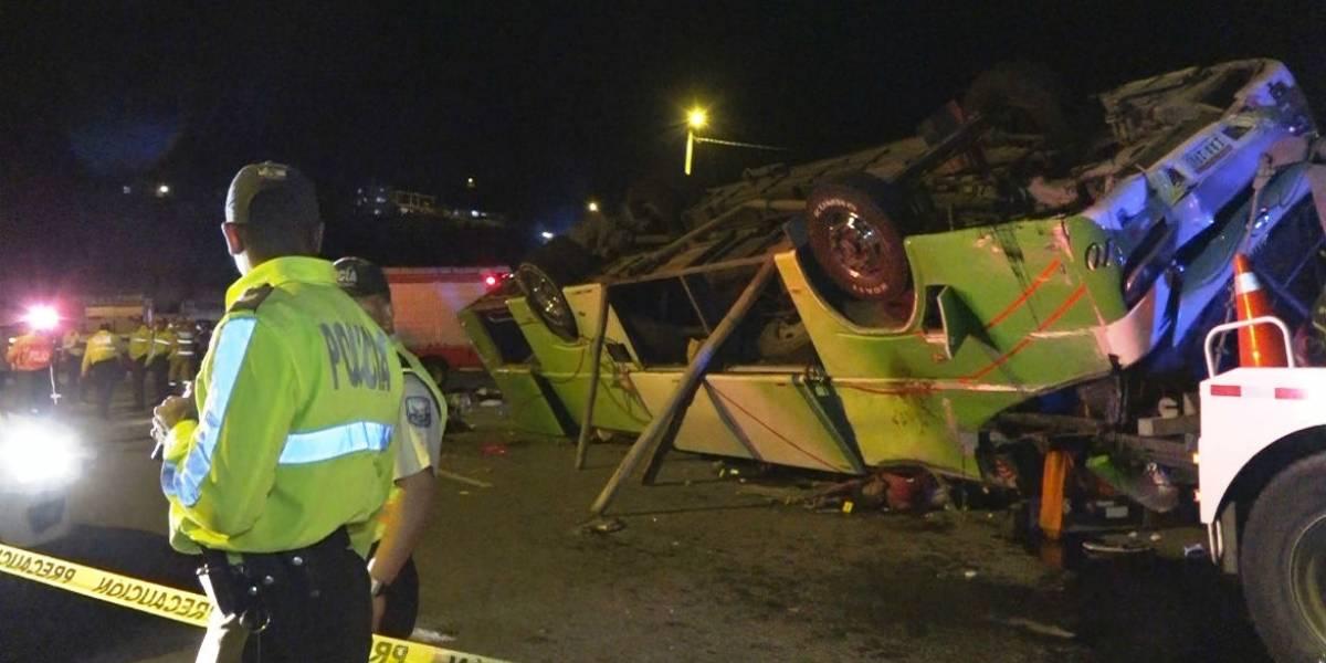 Suspenden cooperativa de bus involucrada en accidente en el que fallecieron 14 personas