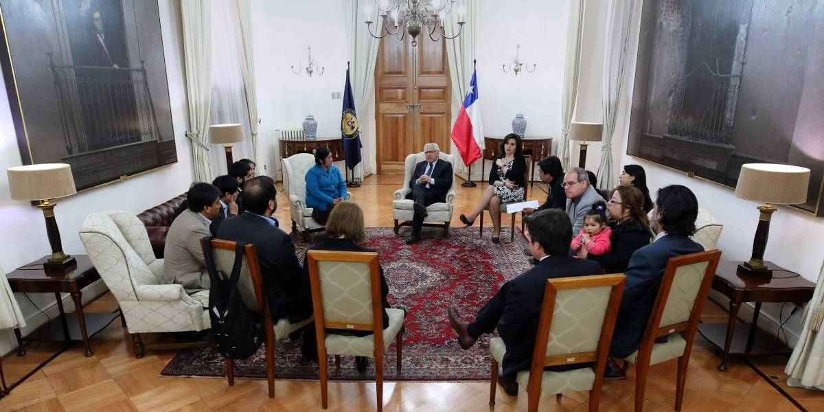 Bachelet se reunió en La Moneda con familiares de comuneros mapuche en huelga