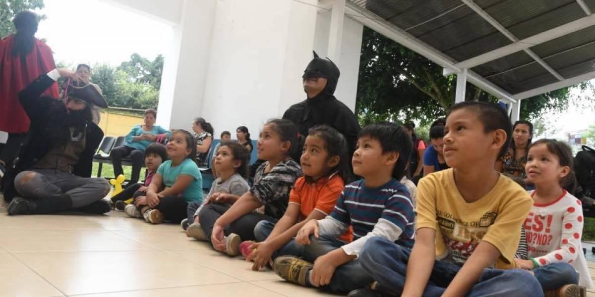 Niños de Unidad Pediátrica reciben una sorpresa llena de sonrisa y valentía